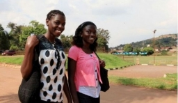 烏干達奇葩習俗:穿衣服為不吉祥!