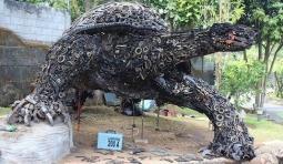 廢舊零件打造霸氣金屬「巨龜」