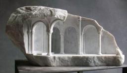 Matthew Simmonds的大理石中世紀建築雕塑