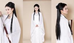 美女高中生扮小龍女 白衣勝雪仙氣足