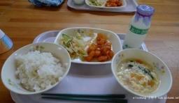 看看日本小朋友是怎麼吃飯的,目瞪口呆!