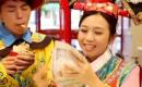 taiwan這群人 淡定哥與激動妹真的開始在肯德基賣炸雞了 彈幕...