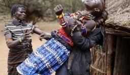 肯亞風俗:父母賣女兒換牛羊