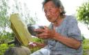 老太每天喝20斤水是為什麼?