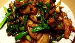 最愛吃老公做的醬香回鍋肉,醬香濃郁,肥而不膩,長肉也要多吃幾口