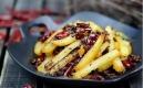 干煸土豆,焦香四溢,香辣過癮,是非常易做的一道家常菜